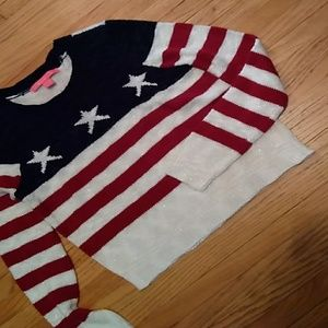 Cute pullover sweater in red/white/blue.